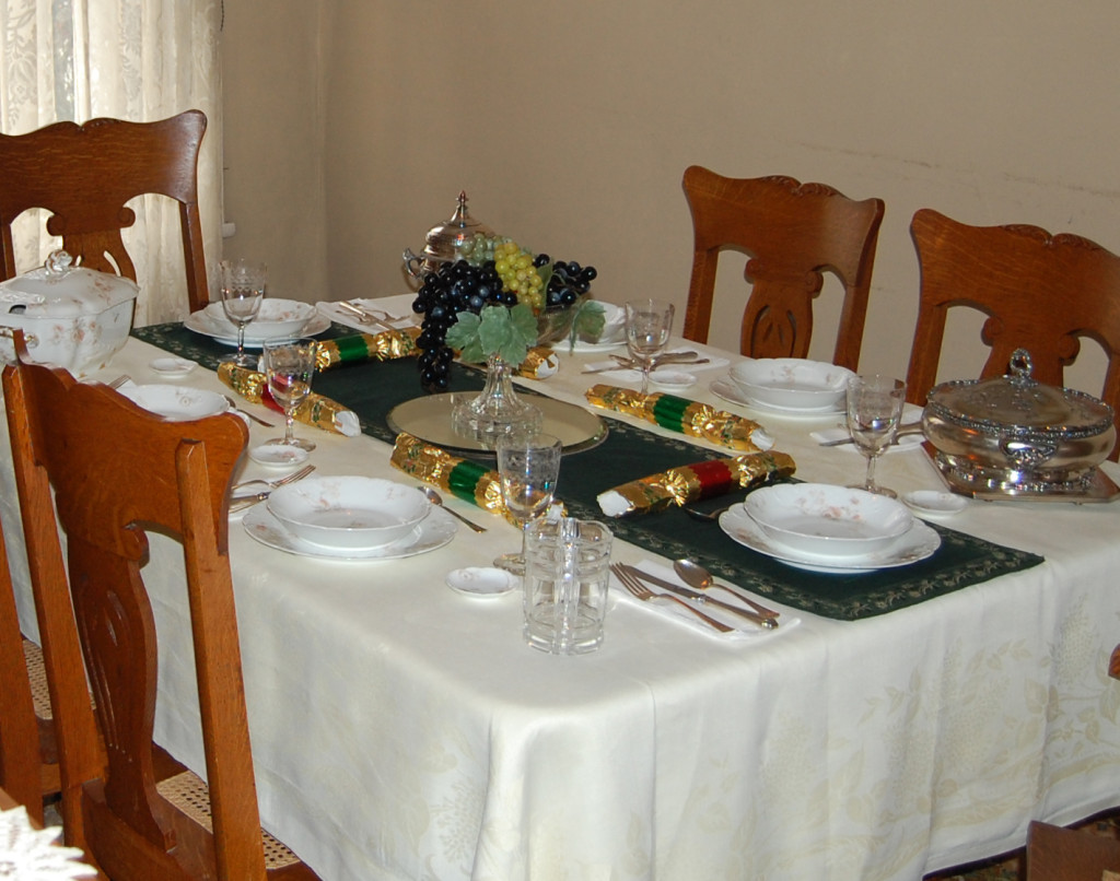 VC Dining Table Set for Christmas